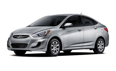 Tire, Wheel, Motor vehicle, Mode of transport, Automotive design, Vehicle, Automotive tire, Headlamp, Glass, Car,