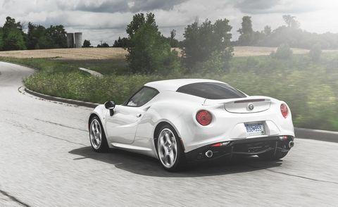 Mode of transport, Automotive design, Vehicle, Car, Automotive lighting, Performance car, Rim, Tree, Supercar, Fender,