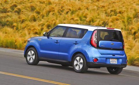 Tire, Motor vehicle, Wheel, Automotive design, Vehicle, Automotive mirror, Road, Car, Vehicle door, Rim,