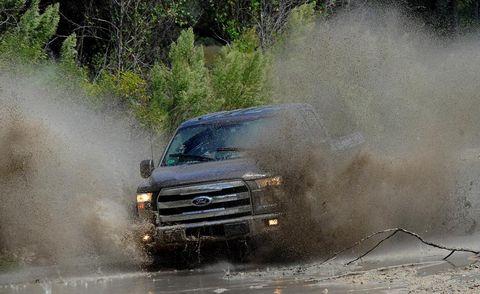 Automotive design, Hood, Automotive tire, Dust, Car, Automotive exterior, Fender, Headlamp, Off-roading, Grille,