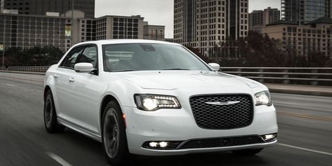 2015 Chrysler 300 V-8 First Drive – Review – Car and Driver