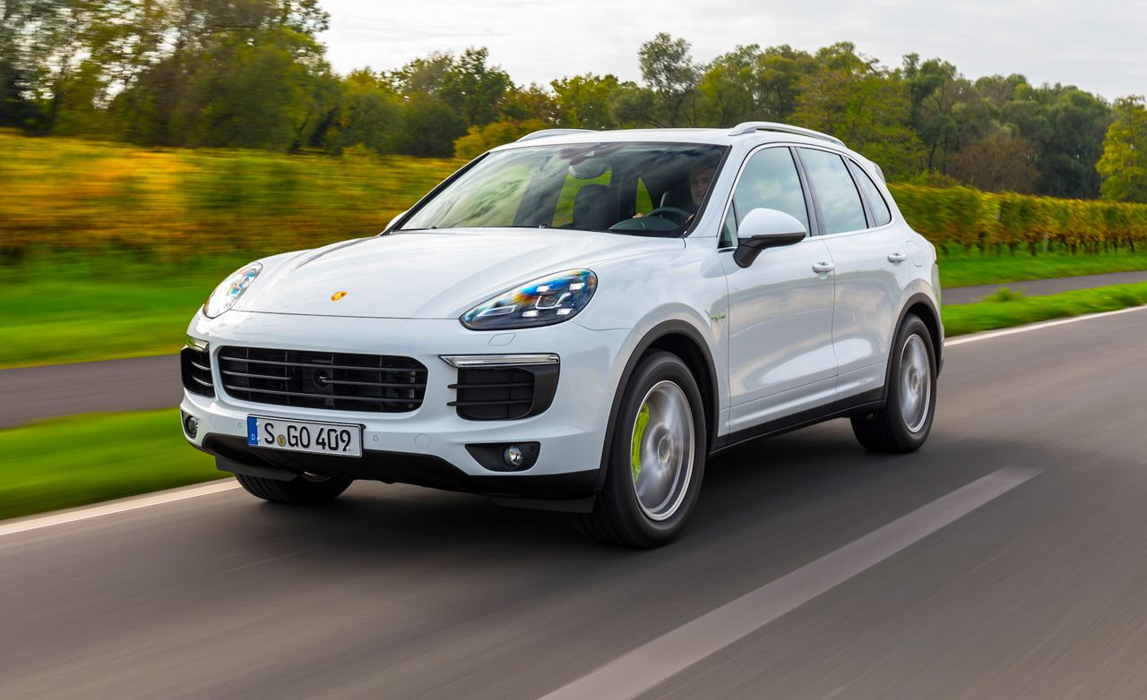 2017 Porsche Cayenne S E Hybrid First Drive 8211 Review Car And Driver