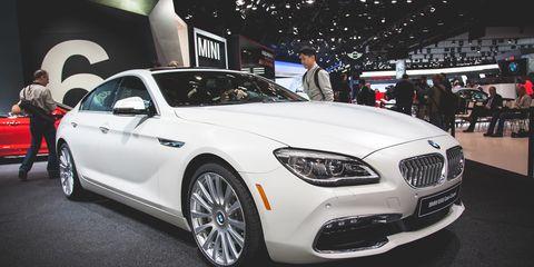 Tire, Wheel, Automotive design, Vehicle, Land vehicle, Grille, Automotive lighting, Car, Personal luxury car, Headlamp,