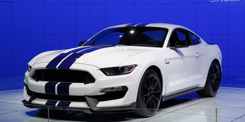 2016 Ford Mustang Shelby Gt350 Debuts With Flat Crank V 8 And Magneride Shocks