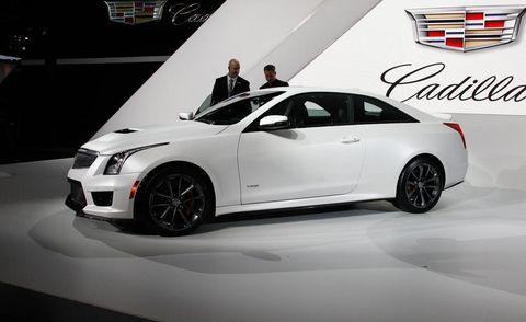 Tire, Wheel, Automotive design, Vehicle, Car, Fender, Alloy wheel, Personal luxury car, Automotive lighting, Luxury vehicle,