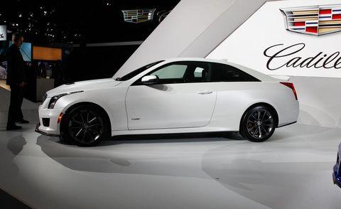 Tire, Wheel, Automotive design, Vehicle, Land vehicle, Alloy wheel, Rim, Car, Automotive lighting, Automotive tire,