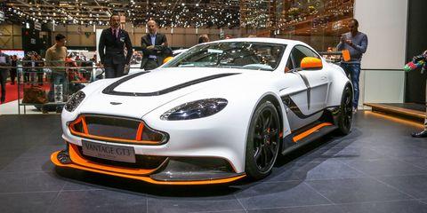 Tire, Wheel, Automotive design, Vehicle, Land vehicle, Car, Performance car, Personal luxury car, Sports car, Rim,
