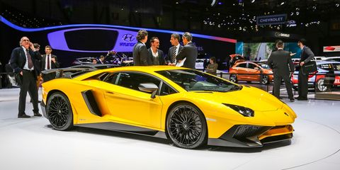 2016 Lamborghini Aventador Lp750 4 Superveloce 740 Hp 2 8 To 62 Mph Megabucks Price