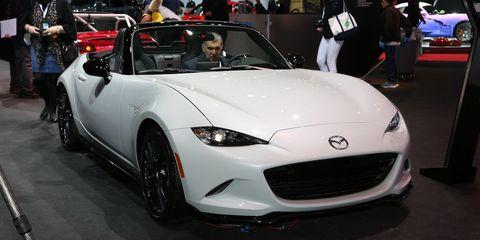 Automotive design, Vehicle, Event, Performance car, Car, Personal luxury car, Headlamp, Auto show, Exhibition, Luxury vehicle,