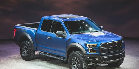2017 Ford F 150 Raptor The Beast Returns With An Aluminum Body And A Twin Turbo V 6