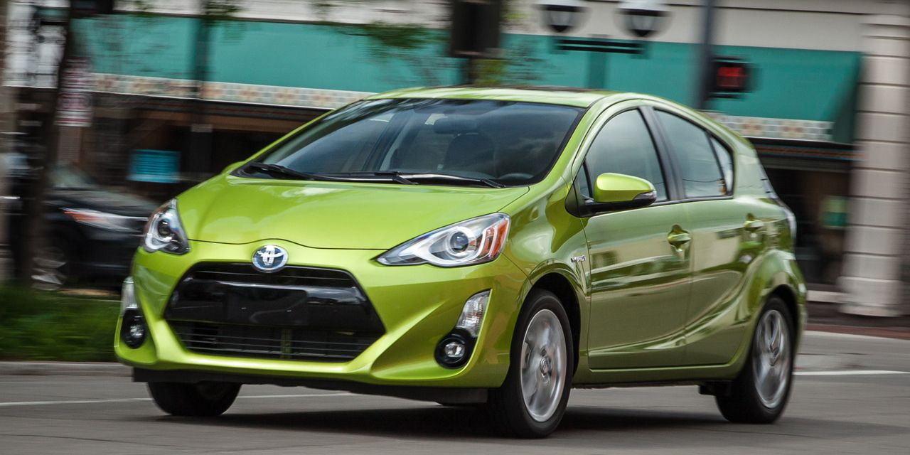 2015 Toyota Prius C 8211 Review 8211 Car And Driver