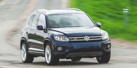 Tire, Wheel, Automotive design, Automotive tire, Vehicle, Land vehicle, Automotive mirror, Headlamp, Automotive lighting, Car,