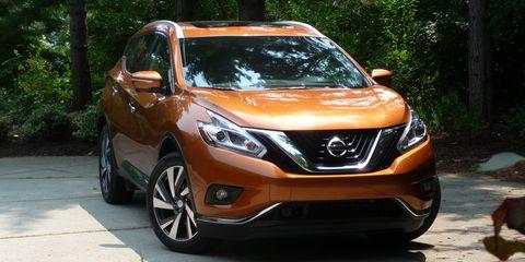 Motor vehicle, Vehicle, Glass, Automotive design, Automotive lighting, Headlamp, Car, Automotive mirror, Grille, Hood,