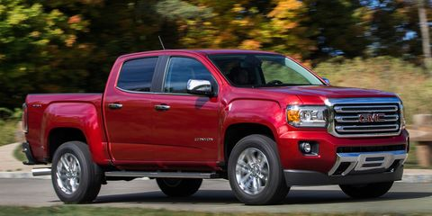 Tire, Wheel, Motor vehicle, Automotive tire, Vehicle, Land vehicle, Rim, Landscape, Car, Hood,