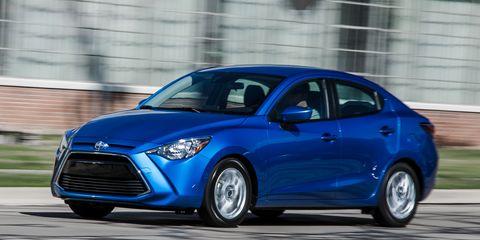 Tire, Wheel, Motor vehicle, Automotive design, Blue, Daytime, Vehicle, Land vehicle, Car, Headlamp,