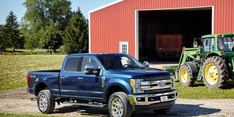 Tire, Wheel, Vehicle, Land vehicle, Pickup truck, Automotive tire, Transport, Hood, Rim, Fender,
