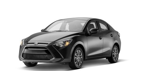 Tire, Motor vehicle, Wheel, Automotive design, Product, Automotive lighting, Automotive tire, Headlamp, Vehicle, Grille,