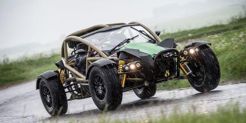 Tire, Wheel, Automotive tire, Automotive design, Automotive exterior, Automotive wheel system, Rim, Motorsport, Open-wheel car, Auto part,