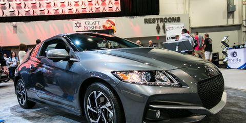 Wheel, Tire, Automotive design, Vehicle, Event, Land vehicle, Car, Headlamp, Automotive lighting, Personal luxury car,