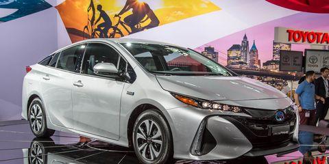 2017 Toyota Prius Prime Plug In Hybrid 22 Miles Of Ev Range Piles Tech