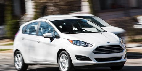 2016 Ford Fiesta Hatchback Automatic Test –