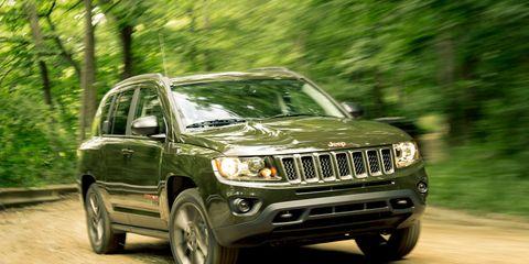 Tire, Motor vehicle, Automotive exterior, Automotive design, Vehicle, Automotive tire, Hood, Land vehicle, Automotive lighting, Headlamp,
