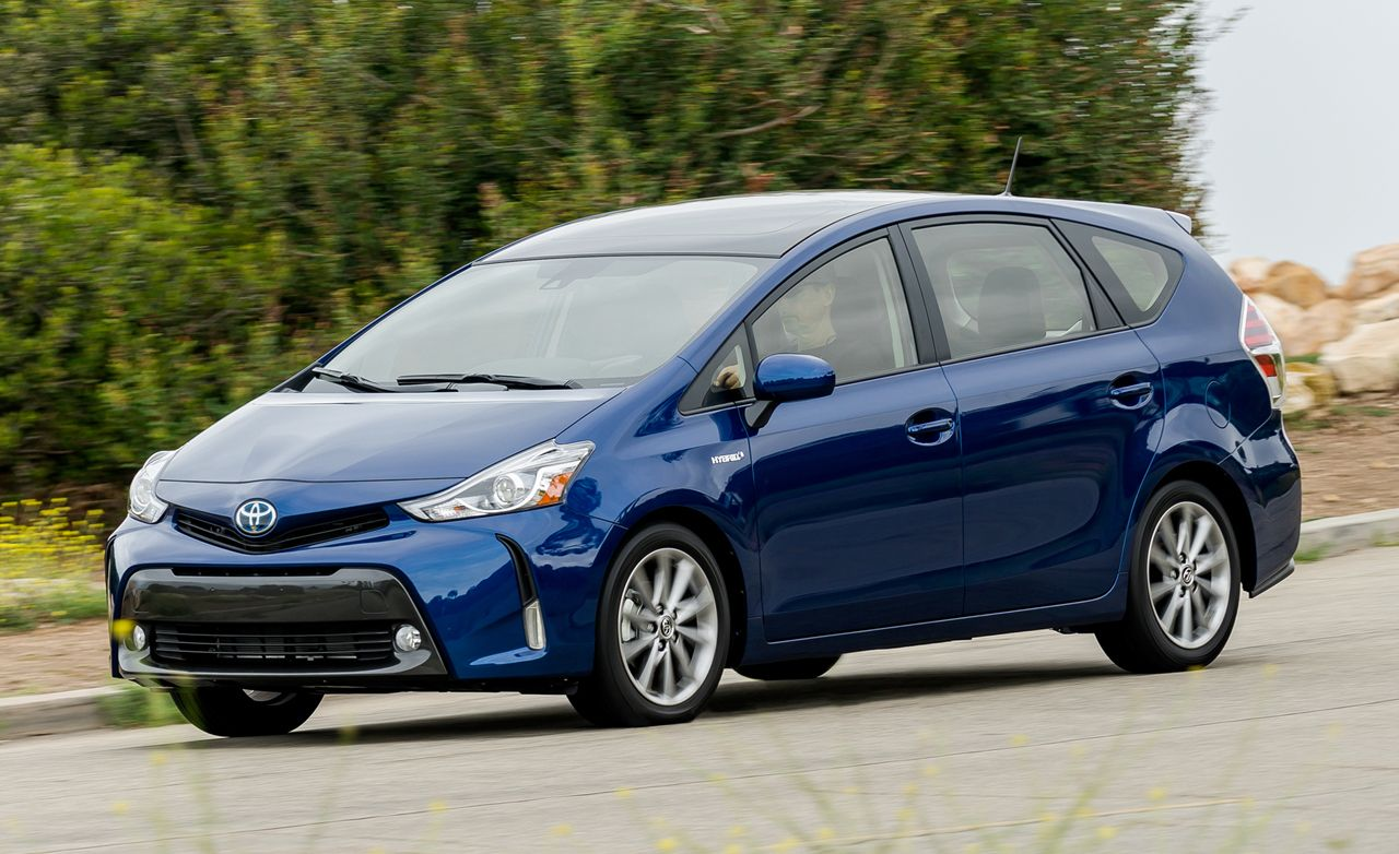 Toyota Prius V Review Pricing And Specs