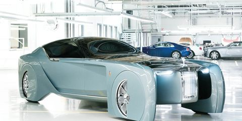 Motor vehicle, Tire, Wheel, Mode of transport, Automotive design, Vehicle, Land vehicle, Automotive wheel system, Car, Automotive tire,