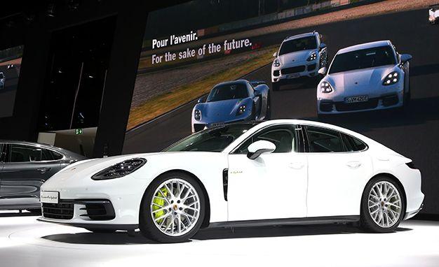 2018 Porsche Panamera 4 E Hybrid A Fun To Drive Plug In