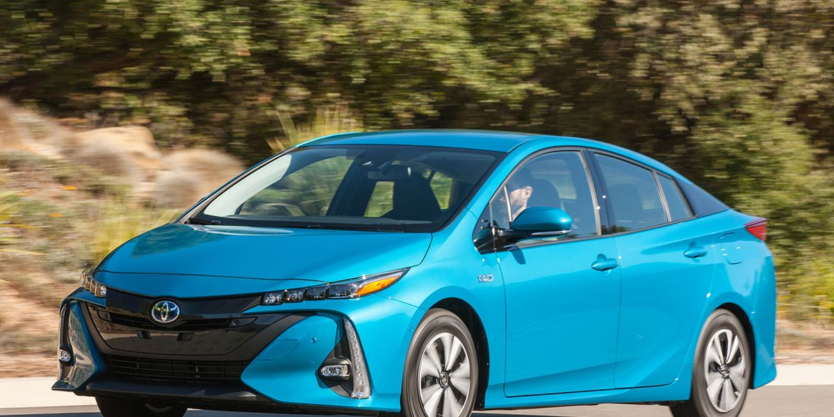 2017 Toyota Prius Prime First Drive 8211 Review Car And Driver