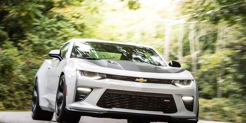 Tire, Wheel, Automotive design, Mode of transport, Vehicle, Automotive lighting, Transport, Headlamp, Car, Grille,
