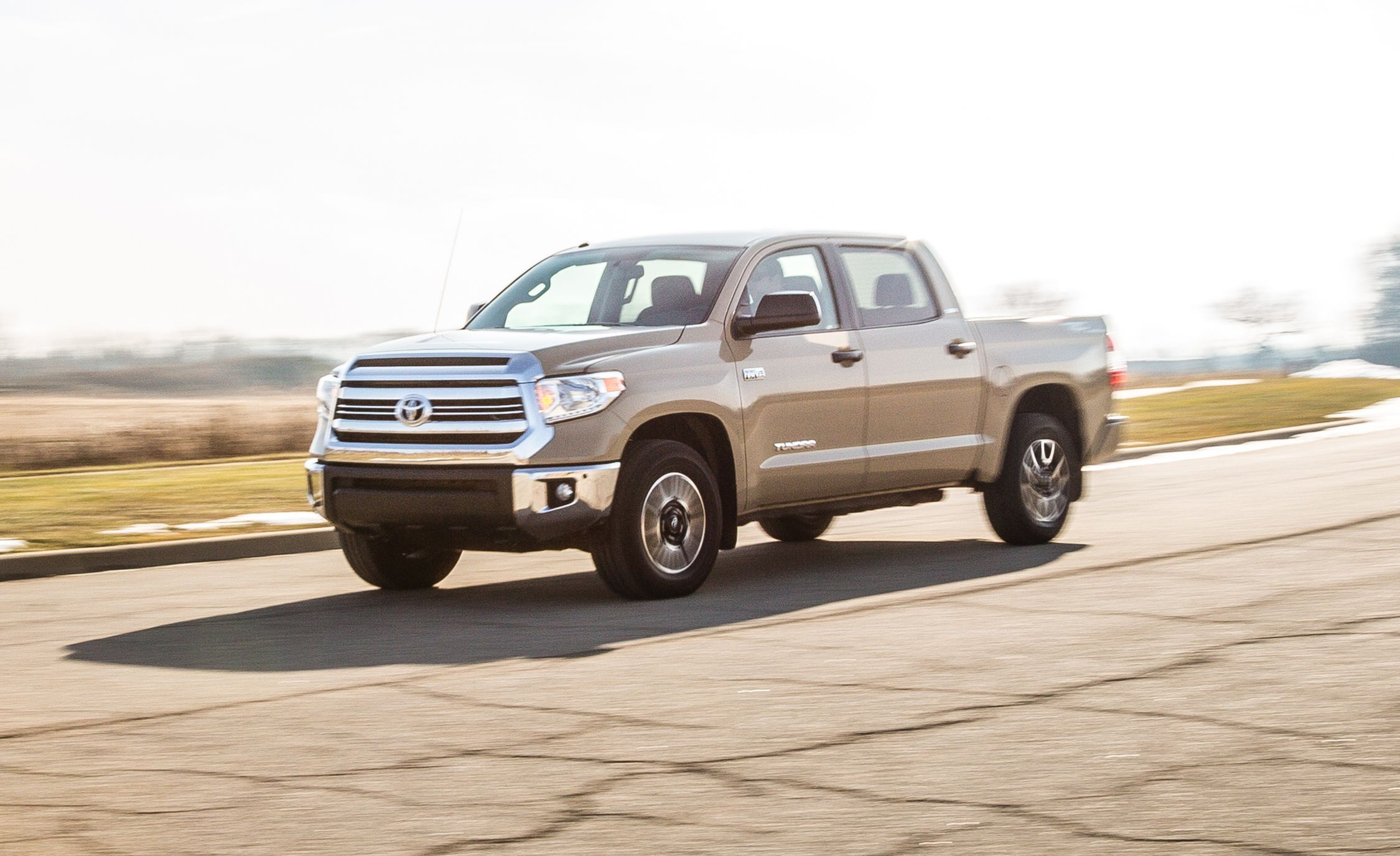 2017 Toyota Tundra 5 7l V 8 Crewmax 4x4 Test 8211 Review Car And Driver
