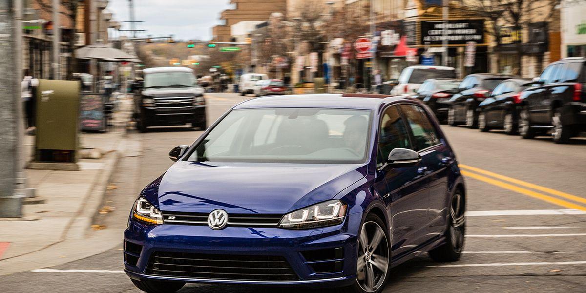 2017 Volkswagen Golf R Review