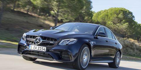 Tire, Automotive design, Mode of transport, Vehicle, Land vehicle, Car, Grille, Rim, Alloy wheel, Personal luxury car,