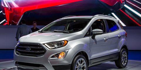 Tire, Motor vehicle, Wheel, Automotive design, Product, Vehicle, Automotive tire, Land vehicle, Automotive lighting, Headlamp,
