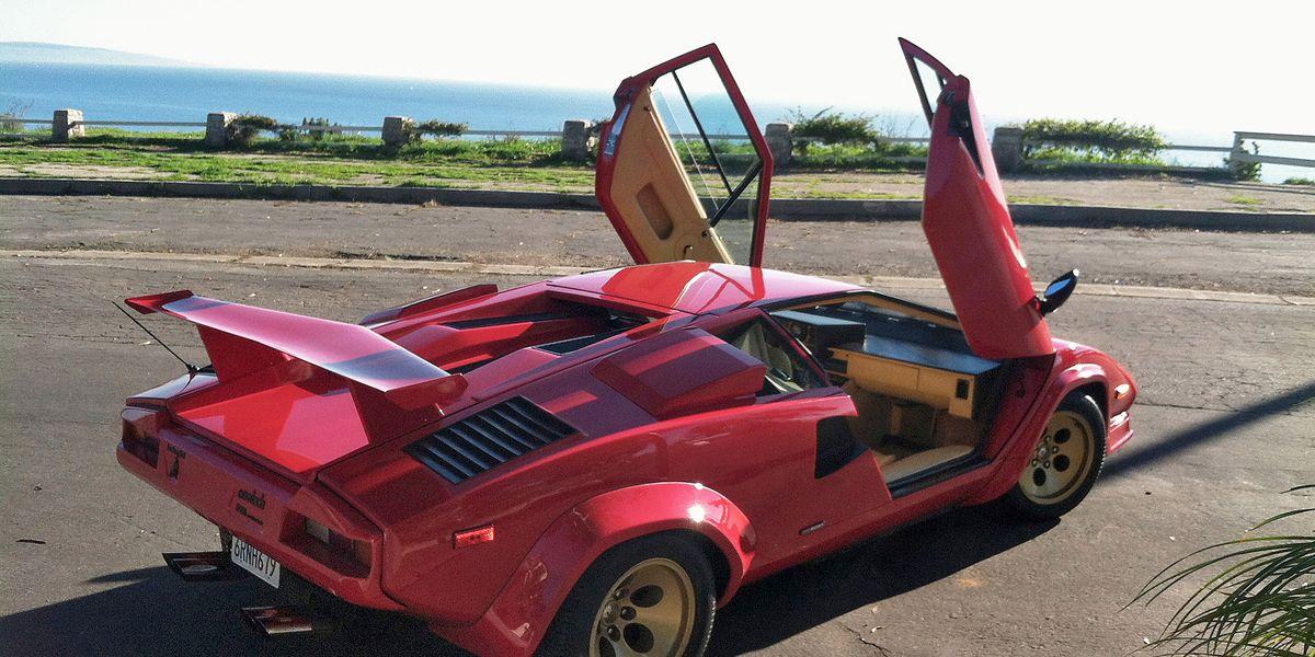 So I Drove An 88 Lamborghini Countach 5000qv Column Car And Driver