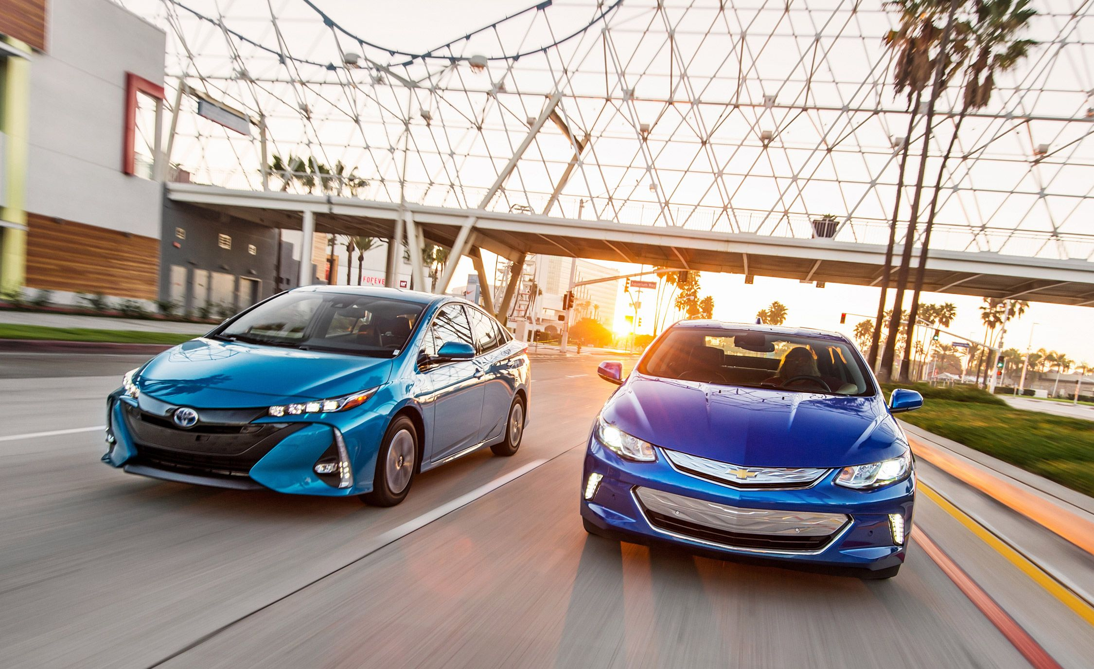 2017 Chevrolet Volt Premier Vs Toyota Prius Prime Advanced 8211 Comparison Test Car And Driver