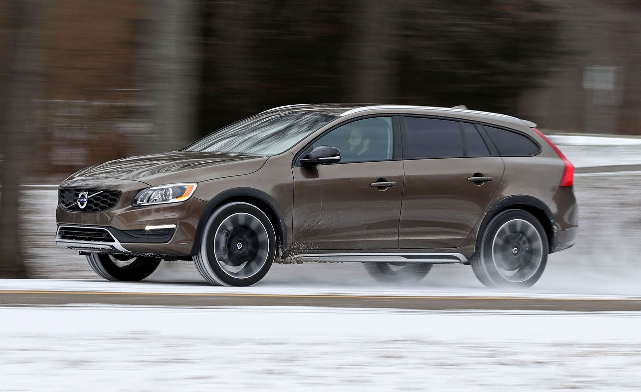 2017 Volvo V60 Cross Country T5 Drive E Awd Test 8211 Review Car And Driver