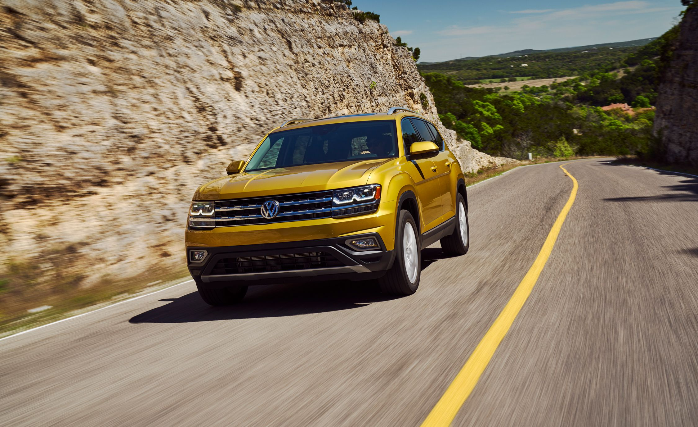 2018 Volkswagen Atlas First Drive Review Car And Driver