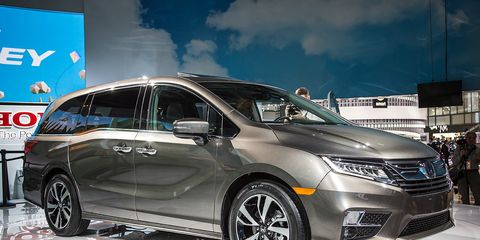 295b6c926d 2018 Honda Odyssey Photos and Info   8211  News   8211  Car and Driver