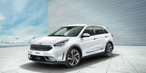 2018 Kia Niro Plug In Hybrid Photos And Info News Car And Driver