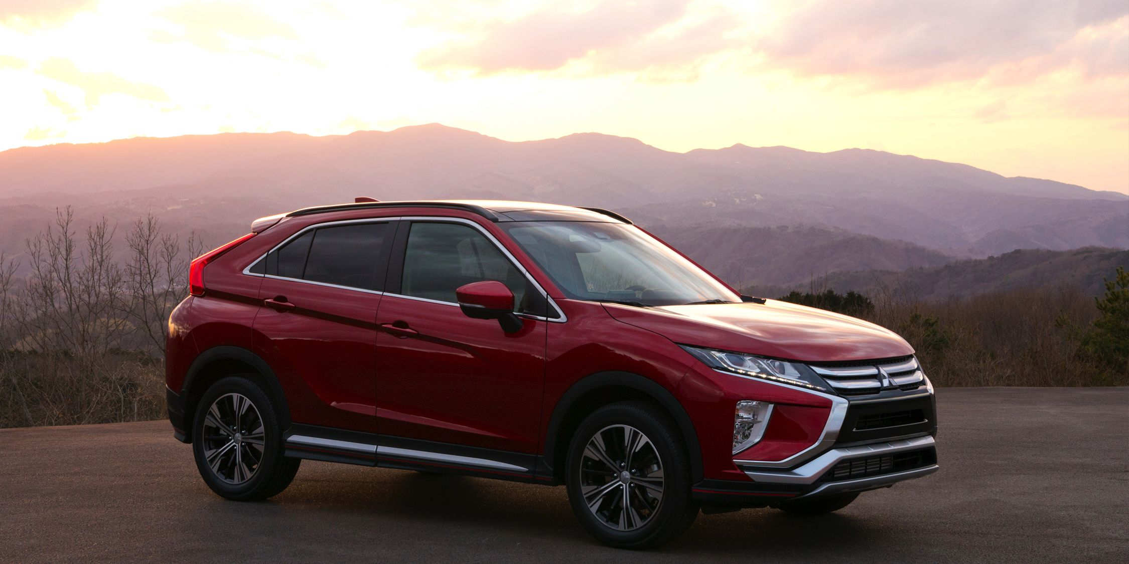 2018 Mitsubishi Eclipse Cross Photos And Info News Car And Driver