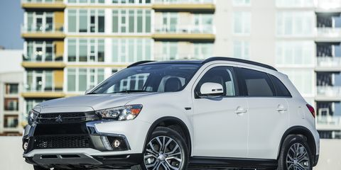 Land vehicle, Vehicle, Car, Mitsubishi, Automotive tire, Tire, Motor vehicle, Sport utility vehicle, Rim, Alloy wheel,