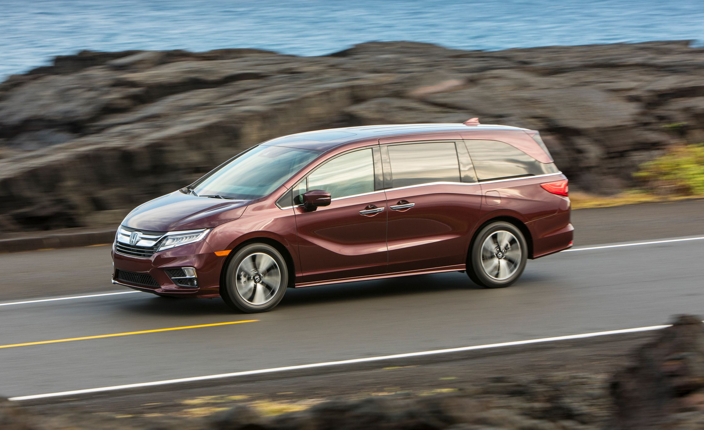 2018 Honda Odyssey First Drive Review Car And Driver