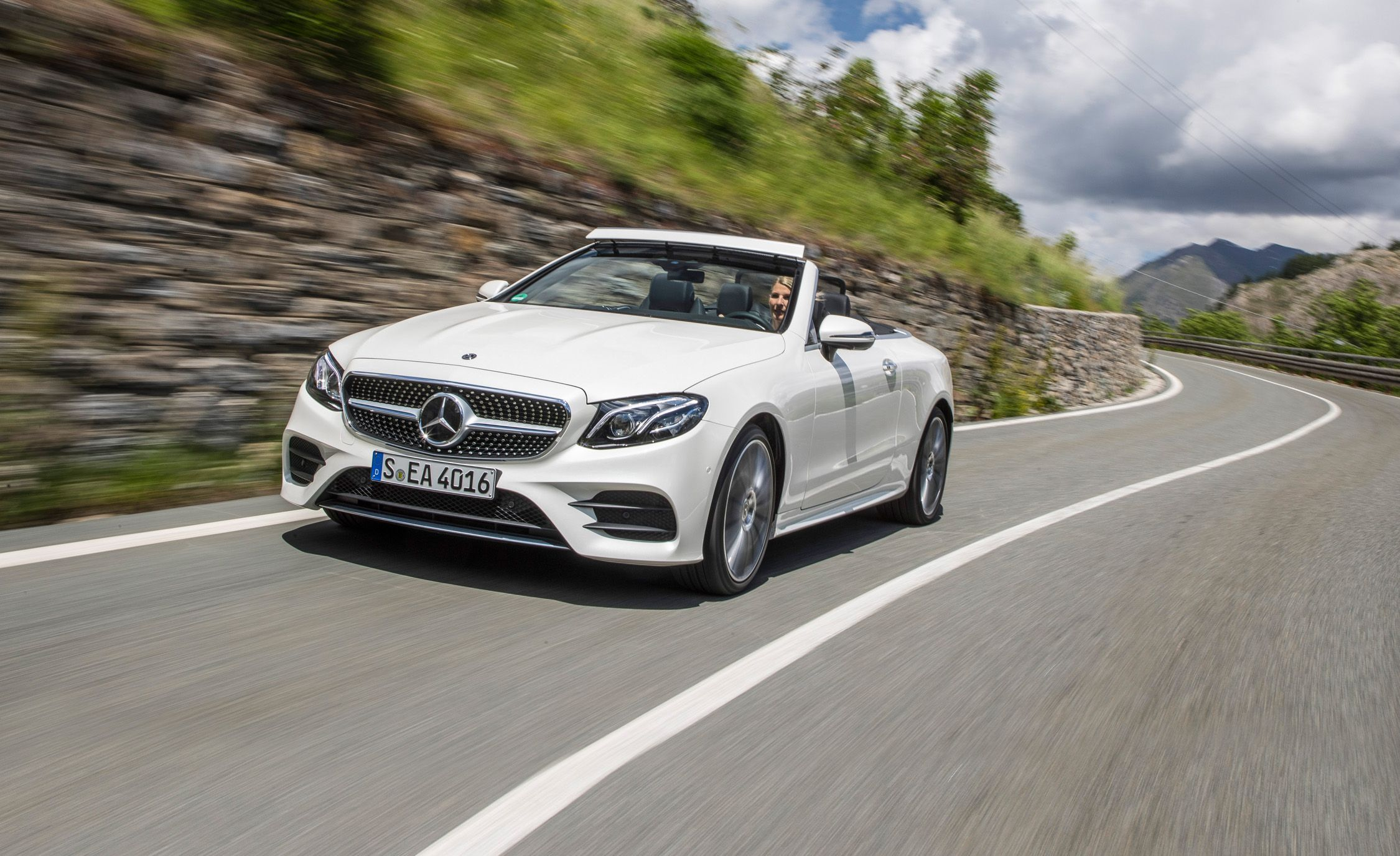 2018 Mercedes Benz E Cl Cabriolet First Drive Review Car And Driver