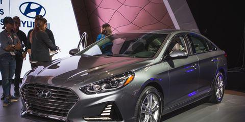 Land vehicle, Vehicle, Car, Mid-size car, Motor vehicle, Auto show, Automotive design, Ford motor company, Hyundai, Sedan,