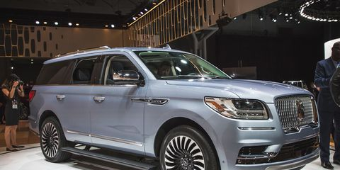 2018 Lincoln Navigator: Redesign, Specs, Price >> 2018 Lincoln Navigator Photos And Info News Car And Driver