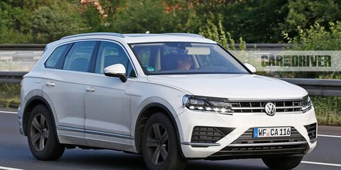2019 Volkswagen Touareg Spied News Car And Driver