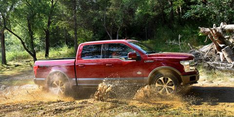 Tire, Wheel, Pickup truck, Vehicle, Land vehicle, Truck, Automotive tire, Fender, Auto part, Truck bed part,
