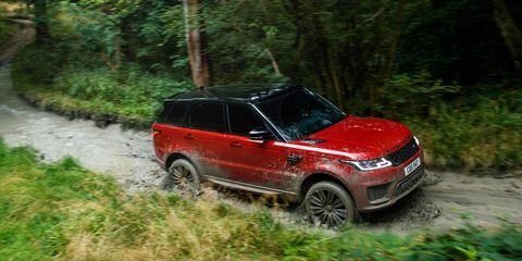 Land vehicle, Vehicle, Car, Off-roading, Regularity rally, Sport utility vehicle, Off-road vehicle, Range rover, Compact sport utility vehicle, Recreation,